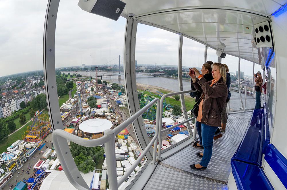 City Skyliner | Duesseldorf